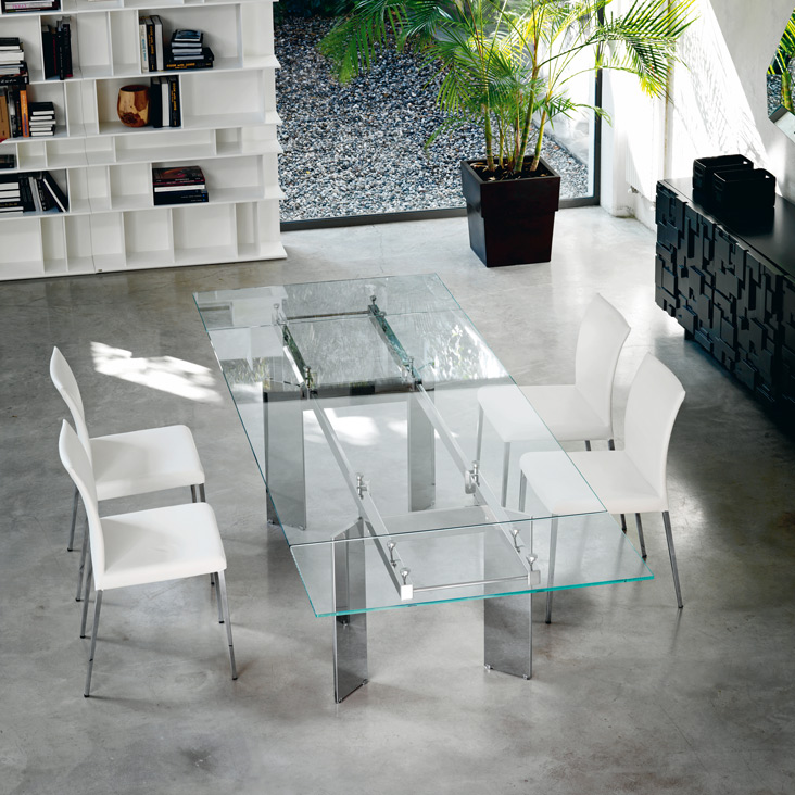 Elan Table